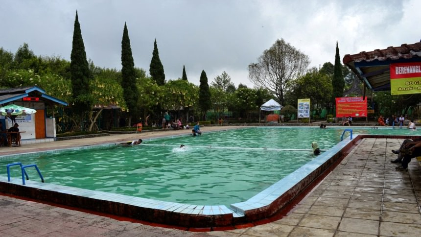 wisata pemandian air panas ciwalini